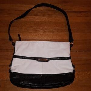 Stone mountain black & white purse